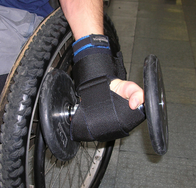 Active hands General Purpose gripping aid with gym weights