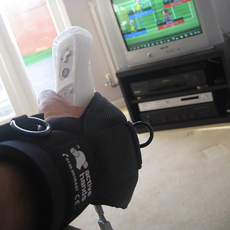 Active hands General Purpose gripping aid with wii Remote