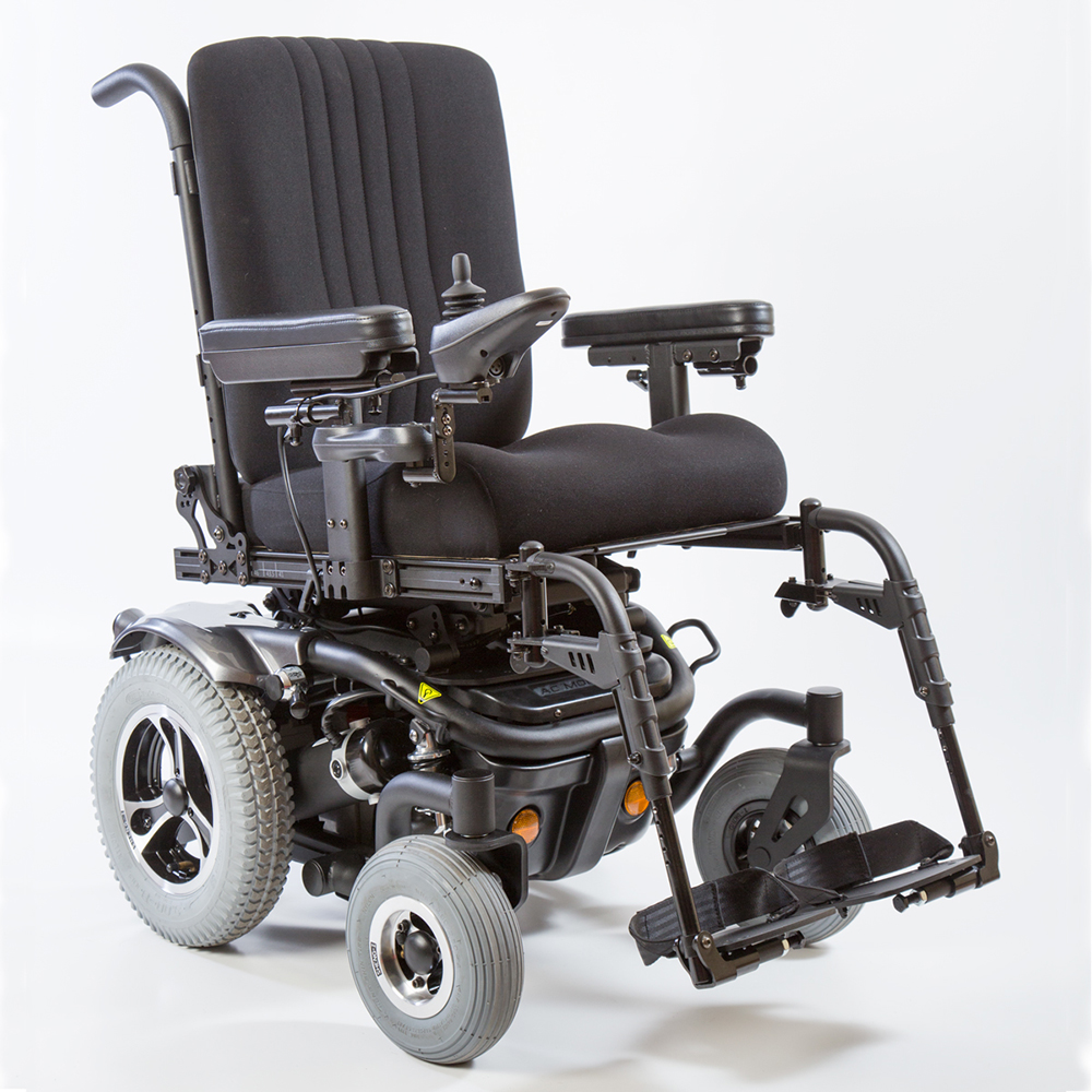 Traxx 3 power wheelchair right hand side view 45 degrees