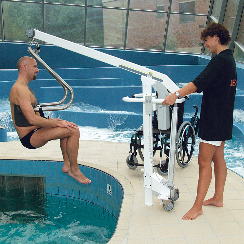 Handimove Mobile Pool Lift | move easily from wheelchair to pool
